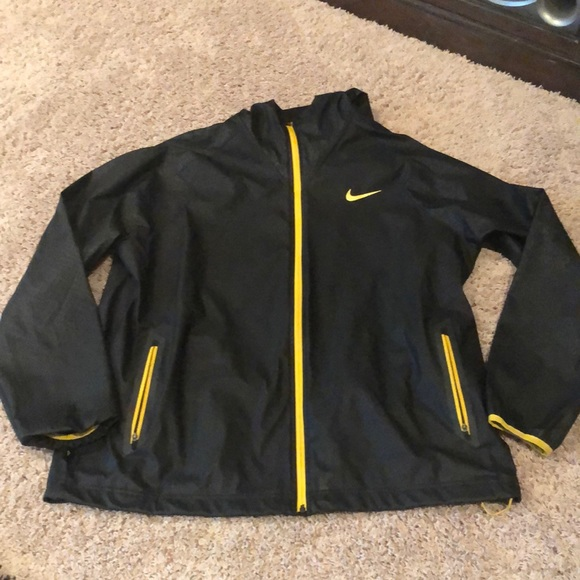 Nike Other - Nike size xl lightweight jacket